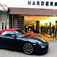 1c-Servatius-Grothwinkel-Porsche-40-Jahre-Party-Models-Cocktail-Ambulanz-Eric-Smax-Dustin-Gray-Fatih-Dursun-Dsquared-Rolf-Buhe-Retrograd-Harders-Online-Shop-Store-Fashion-Designer-Mode-Damen-Herren-Men-Women-Fall-Winter-Herbst-2013-2014