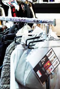 1w-Servatius-Grothwinkel-Porsche-40-Jahre-Party-Models-Cocktail-Ambulanz-Eric-Smax-Dustin-Gray-Fatih-Dursun-Dsquared-Rolf-Buhe-Retrograd-Harders-Online-Shop-Store-Fashion-Designer-Mode-Damen-Herren-Men-Women-Fall-Winter-Herbst-2013-2014