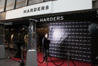 3a-Servatius-Grothwinkel-Porsche-40-Jahre-Party-Models-Cocktail-Ambulanz-Eric-Smax-Dustin-Gray-Fatih-Dursun-Dsquared-Rolf-Buhe-Retrograd-Harders-Online-Shop-Store-Fashion-Designer-Mode-Damen-Herren-Men-Women-Fall-Winter-Herbst-2013-2014