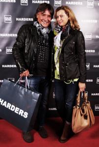 6l-Servatius-Grothwinkel-Porsche-40-Jahre-Party-Models-Cocktail-Ambulanz-Eric-Smax-Dustin-Gray-Fatih-Dursun-Dsquared-Rolf-Buhe-Retrograd-Harders-Online-Shop-Store-Fashion-Designer-Mode-Damen-Herren-Men-Women-Fall-Winter-Herbst-2013-2014