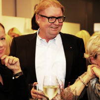 7o-Servatius-Grothwinkel-Porsche-40-Jahre-Party-Models-Cocktail-Ambulanz-Eric-Smax-Dustin-Gray-Fatih-Dursun-Dsquared-Rolf-Buhe-Retrograd-Harders-Online-Shop-Store-Fashion-Designer-Mode-Damen-Herren-Men-Women-Fall-Winter-Herbst-2013-2014