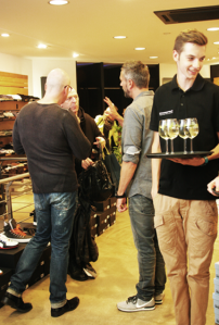 aj-Servatius-Grothwinkel-Porsche-40-Jahre-Party-Models-Cocktail-Ambulanz-Eric-Smax-Dustin-Gray-Fatih-Dursun-Dsquared-Rolf-Buhe-Retrograd-Harders-Online-Shop-Store-Fashion-Designer-Mode-Damen-Herren-Men-Women-Fall-Winter-Herbst-2013-2014