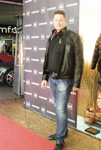 aq-Servatius-Grothwinkel-Porsche-40-Jahre-Party-Models-Cocktail-Ambulanz-Eric-Smax-Dustin-Gray-Fatih-Dursun-Dsquared-Rolf-Buhe-Retrograd-Harders-Online-Shop-Store-Fashion-Designer-Mode-Damen-Herren-Men-Women-Fall-Winter-Herbst-2013-2014