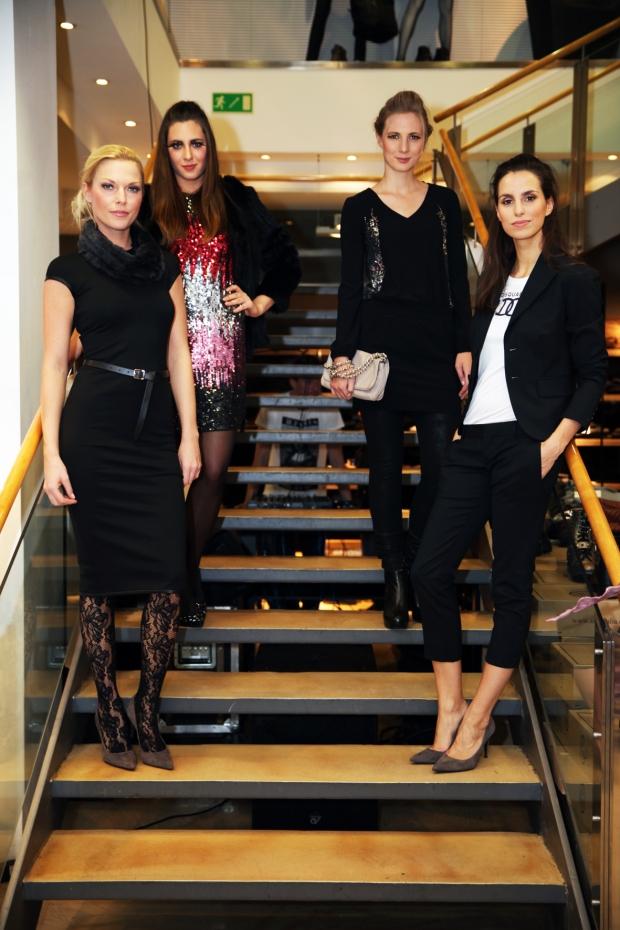 Blog1-Servatius-Grothwinkel-Porsche-40-Jahre-Party-Models-Cocktail-Ambulanz-Eric-Smax-Dustin-Gray-Fatih-Dursun-Dsquared-Rolf-Buhe-Retrograd-Harders-Online-Shop-Store-Fashion-Designer-Mode-Damen-Herren-Men-Women-Fall-Winter-Herbst-2013-2014