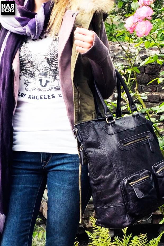 Blog2-Katharina-Woog-IQ+-Berlin-Weste-True-Reiligion-Sweat-Jacke-Shirt-Jeans-Liebeskind-Tasche-Vic-Vicmatie-Stiefel-Fulvio-Luparia-Schal-Harders-Online-Shop-Store-Fashion-Designer-Mode-Damen-Herren-Men-Women-Jades-Soeren-Volls-Pool-Mientus-Fall