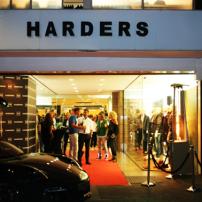 cm-Servatius-Grothwinkel-Porsche-40-Jahre-Party-Models-Cocktail-Ambulanz-Eric-Smax-Dustin-Gray-Fatih-Dursun-Dsquared-Rolf-Buhe-Retrograd-Harders-Online-Shop-Store-Fashion-Designer-Mode-Damen-Herren-Men-Women-Fall-Winter-Herbst-2013-2014