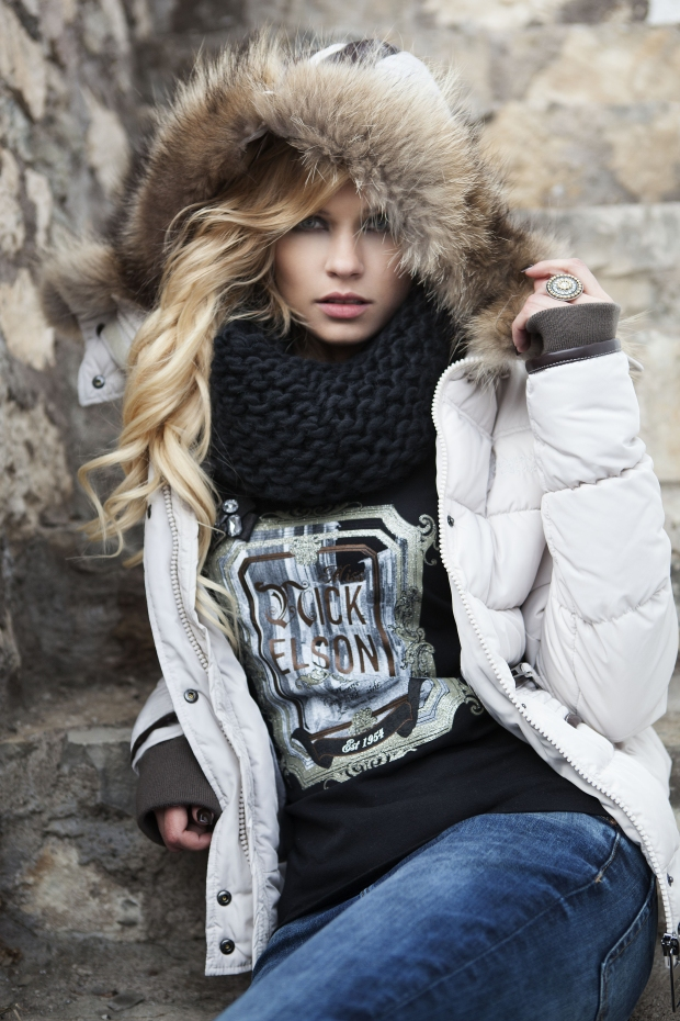 BLOG1-Miss-Nickelson-Daune-Jacke-Amoen-Sandy-Moena-Silvana-Pelz-Fell-Kragen-Kapuze-Harders-Online-Shop-Store-Fashion-Designer-Mode-Damen-Herren-Men-Women-Jades-Soeren-Volls-Pool-Mientus-Fall-Winter-Herbst-2013-2014