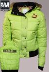 Miss-Nickelson-Daune-Jacke-Amoen-Neon-Gelb-Grün-Lime-Lolly-Pelz-Fell-Kragen-Kapuze-Harders-Online-Shop-Store-Fashion-Designer-Mode-Damen-Herren-Men-Women-Jades-Soeren-Volls-Pool-Mientus-Fall-Winter-Herbst-2013-2014