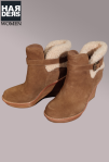 UGG-Boots-Stiefel-Anais-Chestnut-Haselnuss-Holz-Plateau-Keil-Absatz-Schnalle-Lammfell-Futter-Harders-Online-Shop-Store-Fashion-Designer-Mode-Damen-Herren-Men-Women-Jades-Soeren-Volls-Pool-Mientus-Fall-Winter-Herbst-2013-2014