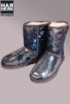 UGG-Boots-Stiefel-Classic-Short-Sparkles-Silber-Blau-Silver-Blue-Pailletten-Lammfell-Futter-Harders-Online-Shop-Store-Fashion-Designer-Mode-Damen-Herren-Men-Women-Jades-Soeren-Volls-Pool-Mientus-Fall-Winter-Herbst-2013-2014