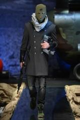 B1-Philipp-Plein-Shirt-Jeans-Teddy-Killercat-Dumbo-Terrorist-Pet-Family-Skull-Studs-Swarovski-Vintage-Used-Harders-Online-Shop-Store-Fashion-Designer-Mode-Damen-Herren-Men-Women-Jades-Soeren-Volls-Pool-Mientus-Fall-Winter-Herbst-2013-2014
