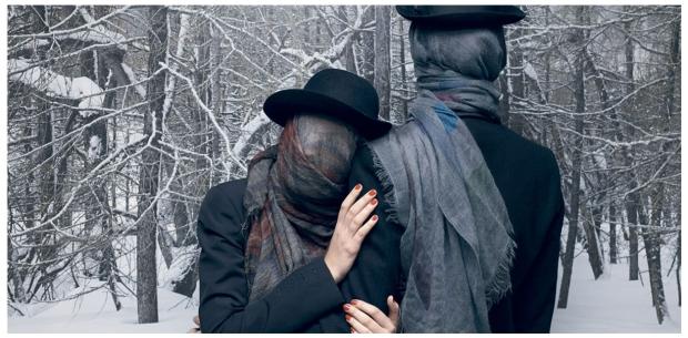 B2-Faliero-Sarti-Schal-Focus-Love-Heart-Cappucino-Lord-May-Rugy-Tobia-Seide-Modal-Wolle-Kaschmir-Washed-Vintage-Used-Harders-Online-Shop-Store-Fashion-Designer-Mode-Damen-Herren-Men-Women-Jades-Soeren-Volls-Pool-Mientus-Fall-Winter-Herbst-2013-201