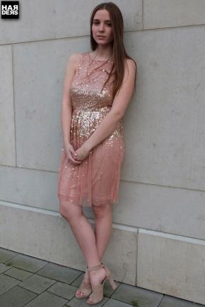 Blog1-Young-Couture-Barbara-Schwarzer-Kleid-Seide-Chiffon-Silk-Pailetten-Nude-Harders-Online-Shop-Store-Fashion-Designer-Mode-Damen-Herren-Men-Women-Jades-Soeren-Volls-Pool-Mientus-Spring-Summer-Frühjahr-Sommer-2014