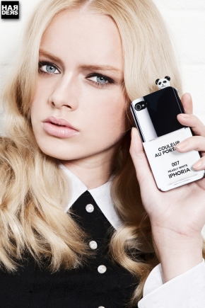 Blog3-IPhoria-Hülle-Nagellack-Nail-Couleur-au-Portable-Body-Talk-Chanel-IPhone-IPad-Samsung-Case-Hülle-Harders-Online-Shop-Store-Fashion-Designer-Mode-Damen-Herren-Men-Women-Jades-Soeren-Volls-Pool-Mientus-Spring-Summer-Frühjahr-Sommer-2014