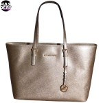 Michael-Kors-Tasche-Bag-Shopper-Jet-Set-Travel-Pale-Gold-Metal-30F4GTVT6M-Harders-24-Online-Shop-Store-Fashion-Designer-Mode-Woman-Damen-Women-Fruehjahr-Sommer-Spring-Summer-2015