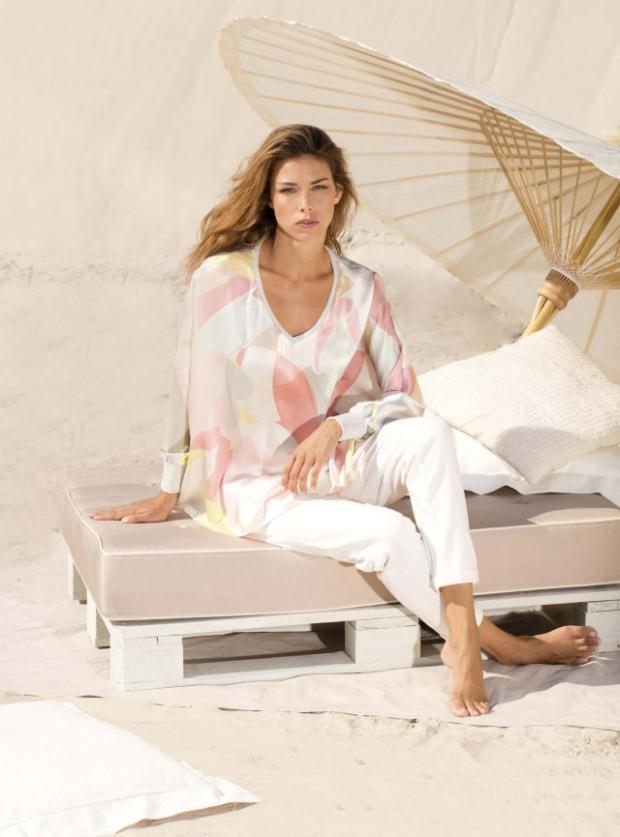 Blog1-IVI-Kleid-Dress-Bluse-Tunika-Orname-Anemon-Pastel-Wave-Grafik-Muster-Seide-Silk-Harders-Fashion-24-fashion-Spring-Summer-Fruehjahr-Sommer-Damen-Women-2016