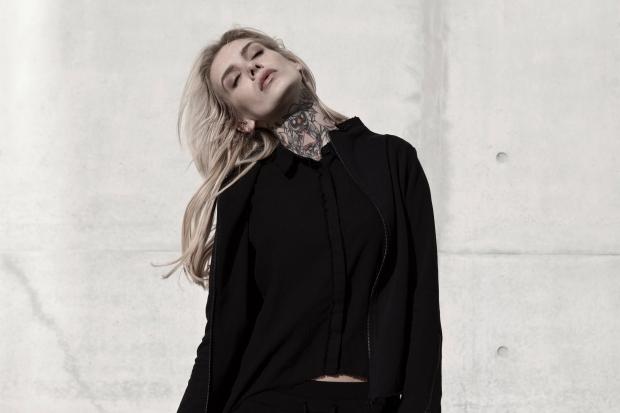 Blog-Thom-Krom-Long-Sweat-Shirt-Kleid-Rock-Skirt-Tank-Layer-Jumpsuit-Onepiece-Black-Schwarz-Destroy-Vintage-Harders-Fashion-24-fashion-Spring-Summer-Fruehjahr-Sommer-Damen-Women-2016