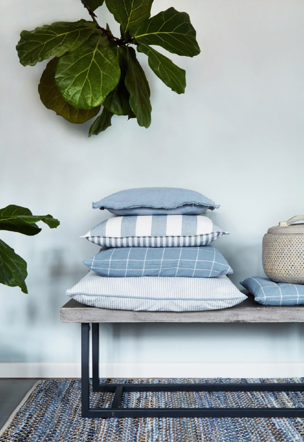 Blog1-Cozy-Living-Cushion-Kissen-Linon-Grau-Grey-Baumwolle-Cotton-Linen-Leinen-Feder-Feather-Oekotex-Harders-Fashion-24-fashion-Spring-Summer-Fruehjahr-Sommer-Damen-Women-2016
