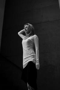 Blog2-Thom-Krom-Long-Sweat-Shirt-Kleid-Rock-Skirt-Tank-Layer-Jumpsuit-Onepiece-Black-Schwarz-Destroy-Vintage-Harders-Fashion-24-fashion-Spring-Summer-Fruehjahr-Sommer-Damen-Women-2016