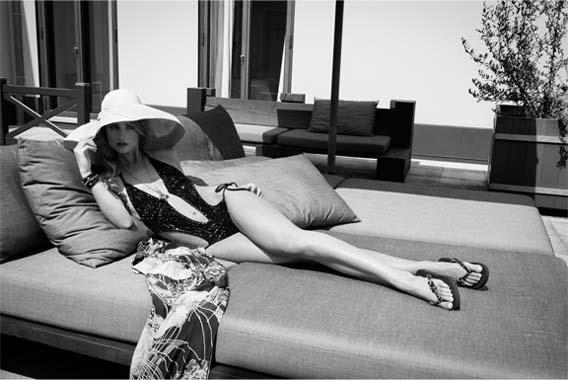 Blog2-Uzurii-Luxury-Flip-Flop-Bag-Tasche-Colorful-Diana-Marylin-Precious-Faboulos-Strass-Svarowski-Stein-Stone-Box-Handmade-Harders-Fashion-24-fashion-Spring-Summer-Fruehjahr-Sommer-Damen-Women-2016